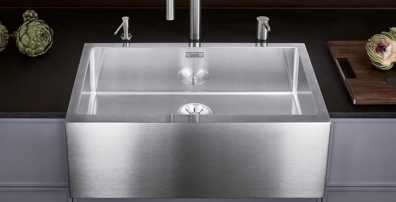 CRONOS - The farmhouse-style sink makes a modern comeback