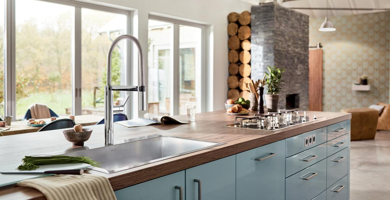 CULINA - A prize-winning professional kitchen faucet.