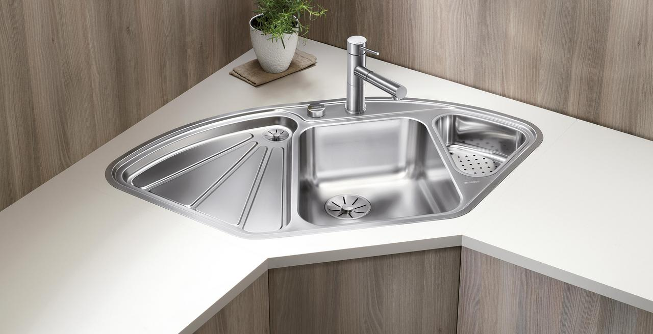 DELTA - The ultimate corner sink