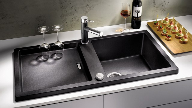 The Adon Silgranit sink, which features a high drainer edge, is good for protecting kitchen worktops