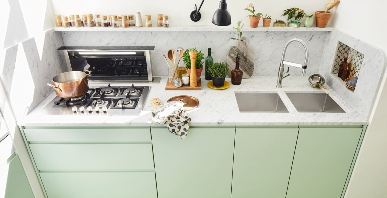 What are the things you need to know before buying a kitchen or laundry sink
