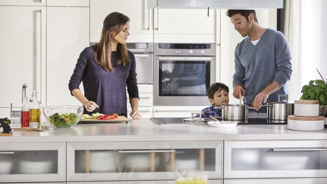A spacious kitchen island makes it even more fun to cook together with your family.