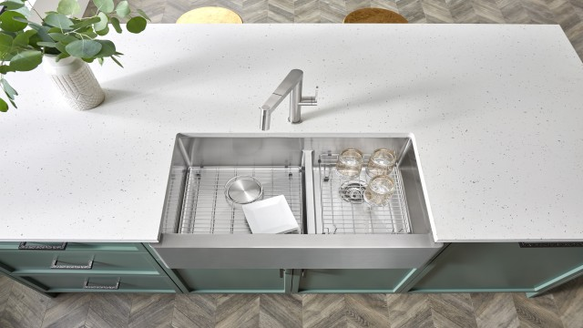 BLANCO QUATRUS R15 Apron Front Farmhouse Sink in Stainless Steel