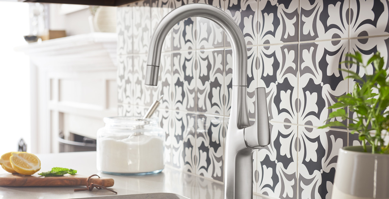 RIVANA Pull-Down Kitchen Faucet
