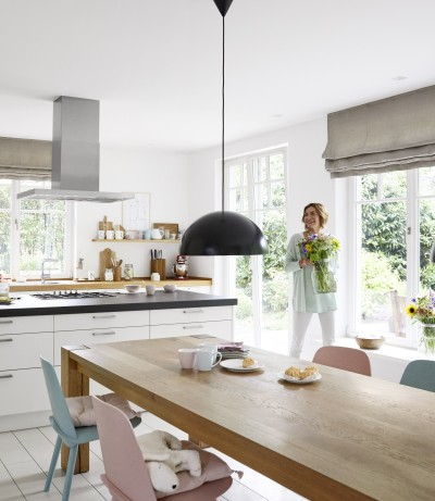Modern country-house kitchens