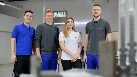 Vier Auszubildende in der Blanc & Fischer Ausbildungsakademie