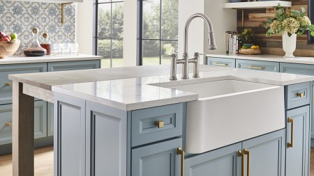 White farmhouse kitchen sinks are the best for handling hot food