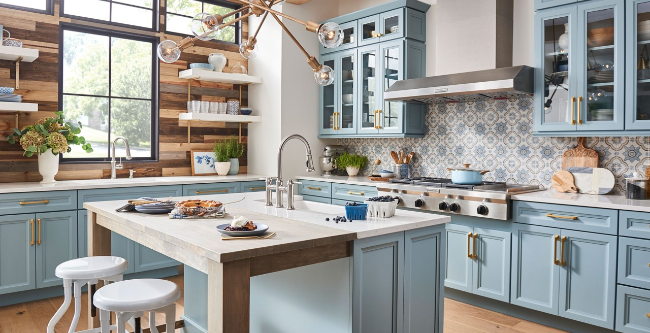 10 Amazing Modern Farmhouse Kitchen Design Ideas!