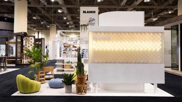 The successful Blanco Metra sink range features striking corner and base radii and an angular design