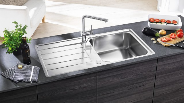 Classimo XL 6 S with an extra-large bowl, combined with the Blanco Linus-S mixer tap