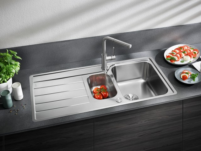 The Classimo 6 S-IF for the 60 cm base cabinet has a practical additional bowl