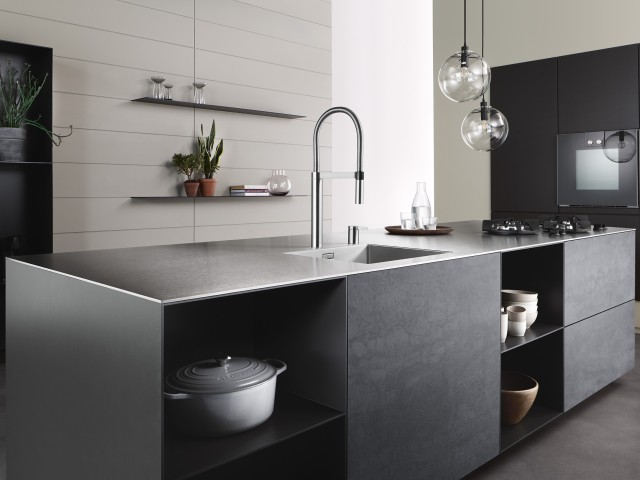 At only six millimetres high, the new SolidEdge worktop from Blanco SteelArt