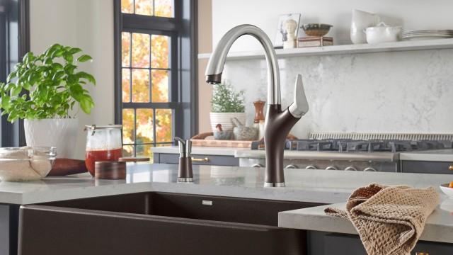 ARTONA 1.5 GPM Kitchen Faucet in BLANCO cafe