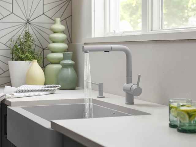 Arrtona Kitchen Faucet in Stainless Steel and SILGRANIT Anthracite
