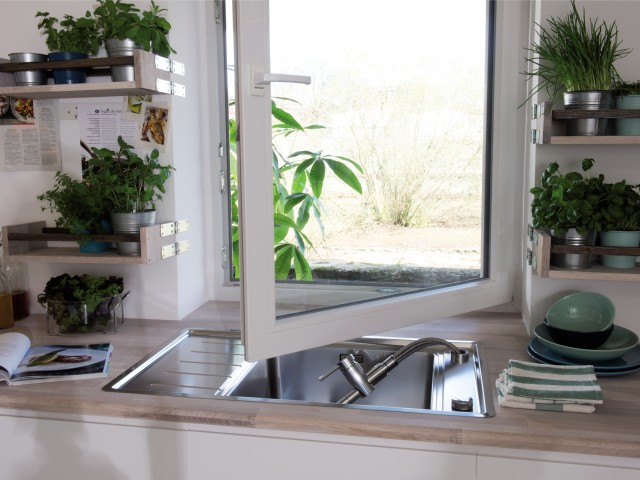 Window-facing BLANCO mixer taps make it easier to open your windows.