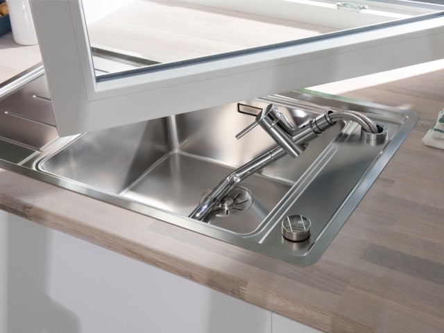Detachable window-facing BLANCO mixer tap