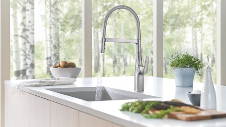 European styling, modern lines, today's living – the new RIVANA faucet collection