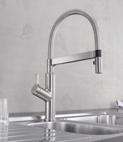 Mit einem Griff kontrollieren Einhebelmischer sowohl Wassertemperatur als auch Wasserstärke