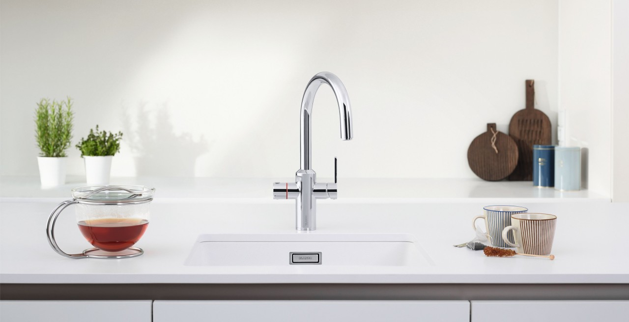 Hot water directly from the kitchen mixer tap thanks to BLANCO TAMPERA Hot
