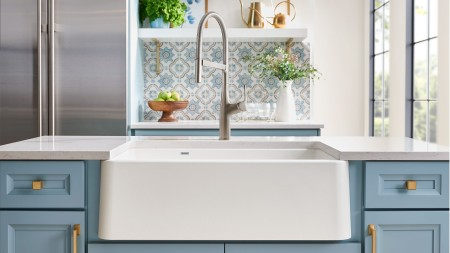 White IKON SILGRANIT farmhouse sink