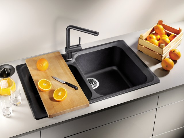 Caption: Stylish: anthracite silgranit for the BLANCO CLASSIC sink