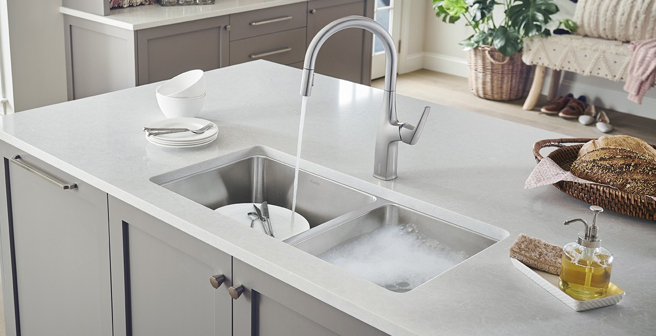 RIVANA High Arc Kitchen Faucet in Stainless Steel with FORMERA U 1.75 in Stainless Steel