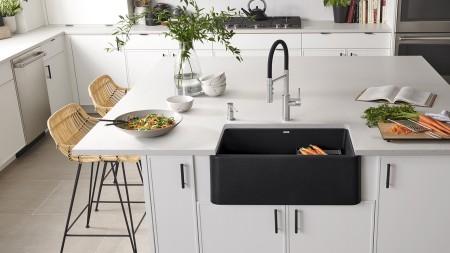 IKON 30 Farmhouse Kitchen Sink in anthracite with Catris Flexo Kitchen Faucet & Lato Soap Dispenser