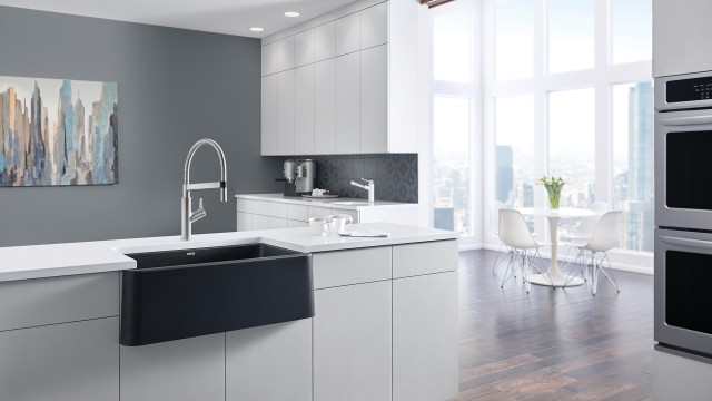 Ikon 33 Farmhouse Kitchen Sink in Anthracite with Solenta Semi Pro Kitchen Faucet in Stainless Steel