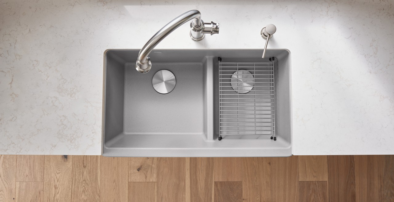 Ikon 33 1,75 Low Divide in SILGRANIT Concrete Gray / Empressa High Arc Kitchen Sinks
