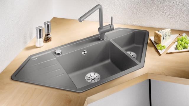 Les éviers d'angle BLANCO sont de vrais miracles de design compact pour les petites cuisines