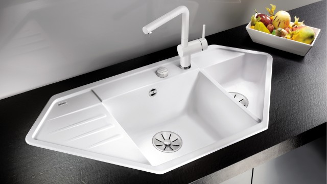 BLANCO corner sinks can also be truly eye-catching features on straight worktops