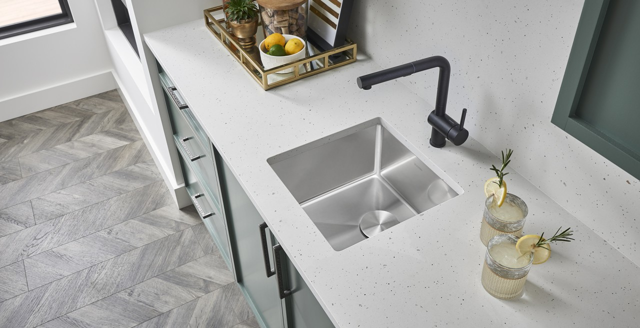 Quatrus R15 Bar Stainless Steel Kitchen Sink - Non-porous, rust and stain resistant