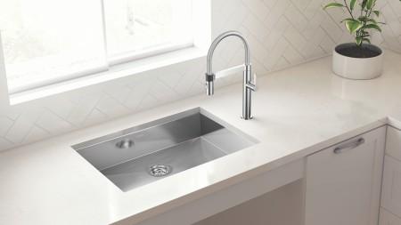 QUATRUS ADA/CSA Wheelchair Accessible Kitchen Sinks