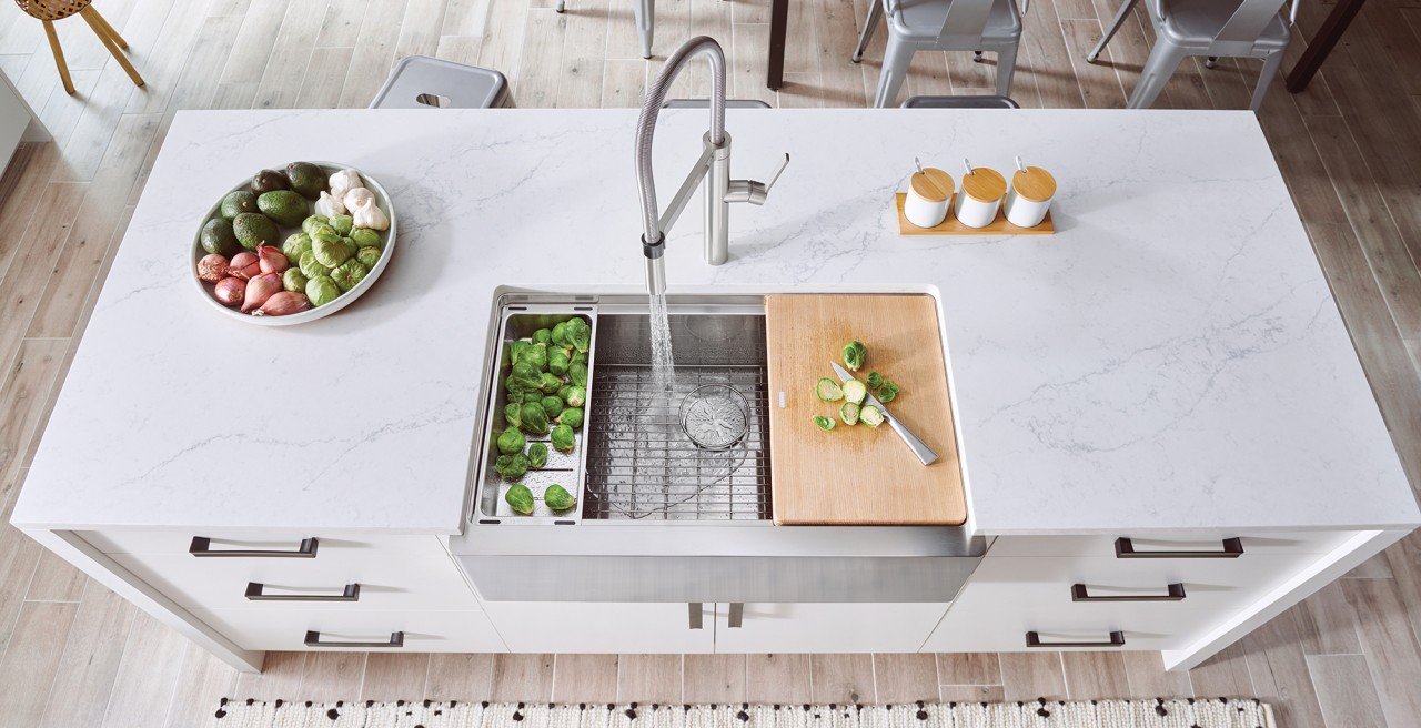 Quatrus R15 Ergonomic Farmhouse Kitchen Sink with Culina Semi Pro in Stainless Steel