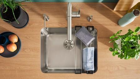 Mit der passenden Reinigung erhalten Sie Glanz und Optik Ihrer Spüle.