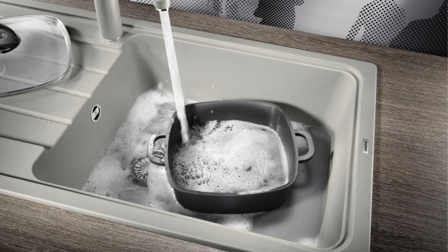 XXL sinks can also be used to wash large kitchenware like casserole dishes.