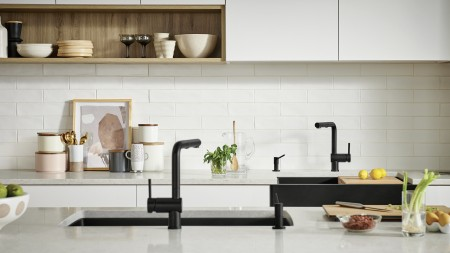 Vintera 30 Farmhouse Sink in Coal Black | Linus Kitchen Faucet and Torre Soap Dispenser Coal Black