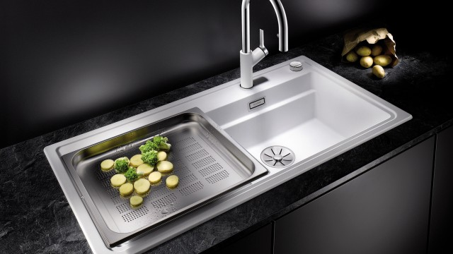 All in one: the BLANCO ZENOR offers space for all your kitchen tasks.