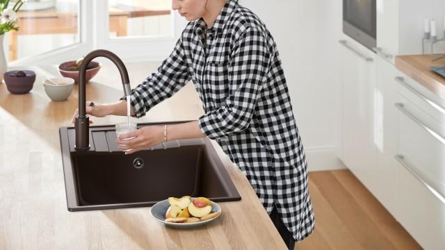 Farbige Spülen setzen Akzente in Ihrer Küche.