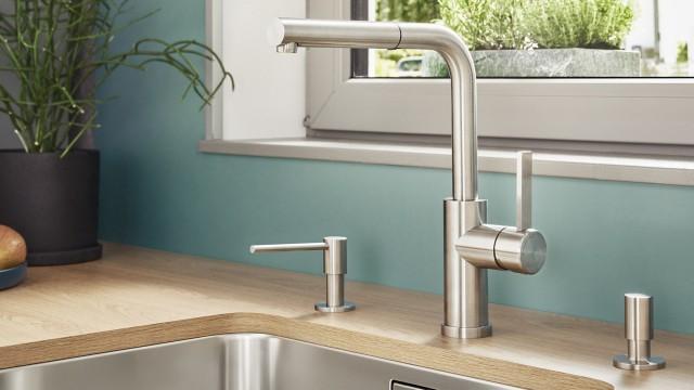 De afwasmiddeldispenser kan tijdens de installatie direct in het werkblad worden geïntegreerd