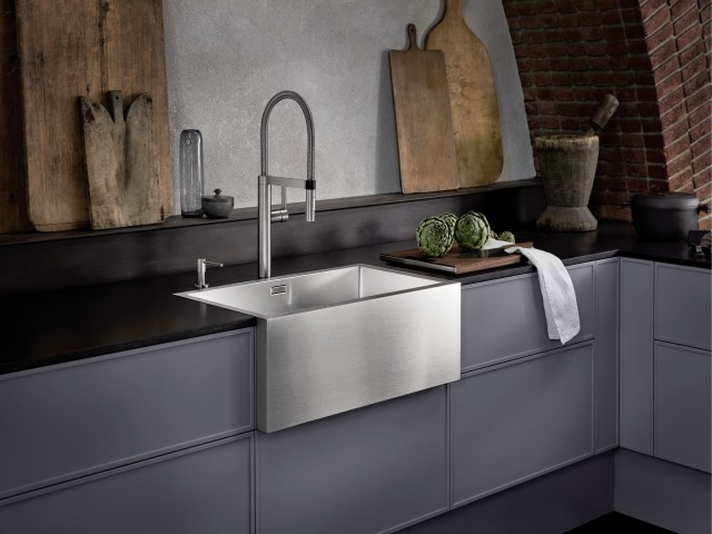 CRONOS farmhouse style sink