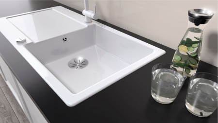 Cleaning ceramic sinks