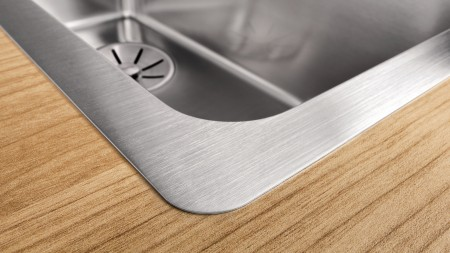 easy-to-handle inset sink