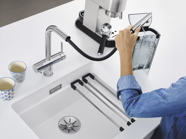 The only filter mixer tap with a pull-out hose
