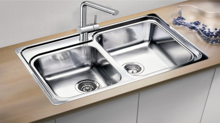 Maintain the shine and look of your sink with the right kind of cleaning.