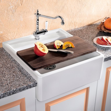 ceramic farmhouse-style sink