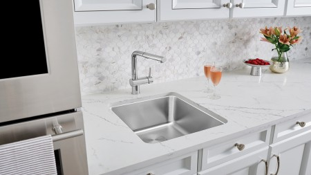 Formera U Bar - Bar and Preparation Sink with POSH kitchen faucet in stainless steel