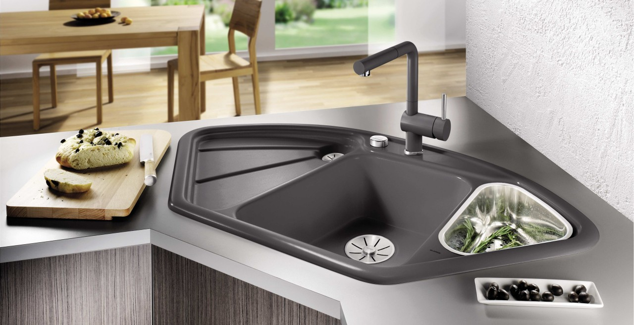 BLANCO corner sinks like the BLANCODELTA are genuine space-savers