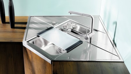 The AXIS from BLANCO allows you to make the most of the whole corner space with your sink.