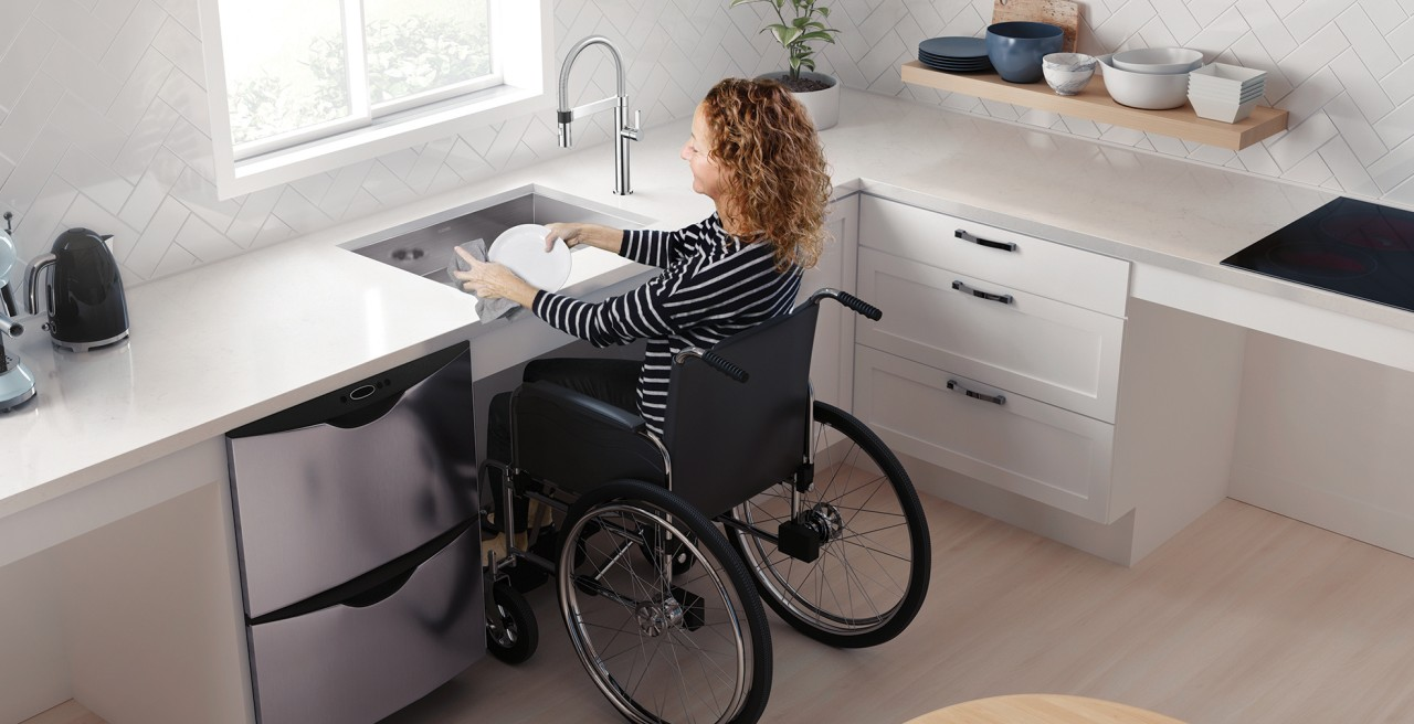 Wheelchair Accessible QUATRUS U 1 MEDIUM ADA / CSA Stainless Steel Kitchen Sink